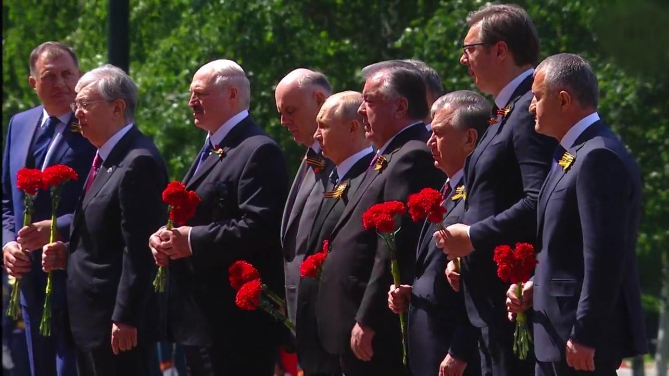 Анатолий Бибилов принял участие в Параде Победы