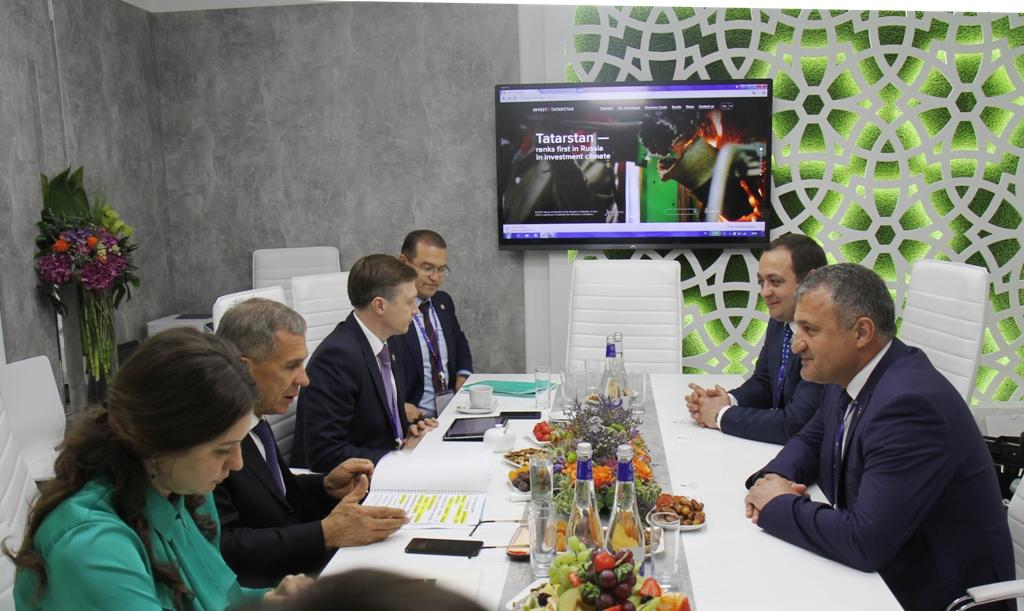 Президент Южной Осетии Анатолий Бибилов встретился с Президентом Республики Татарстан Рустамом Миннихановым