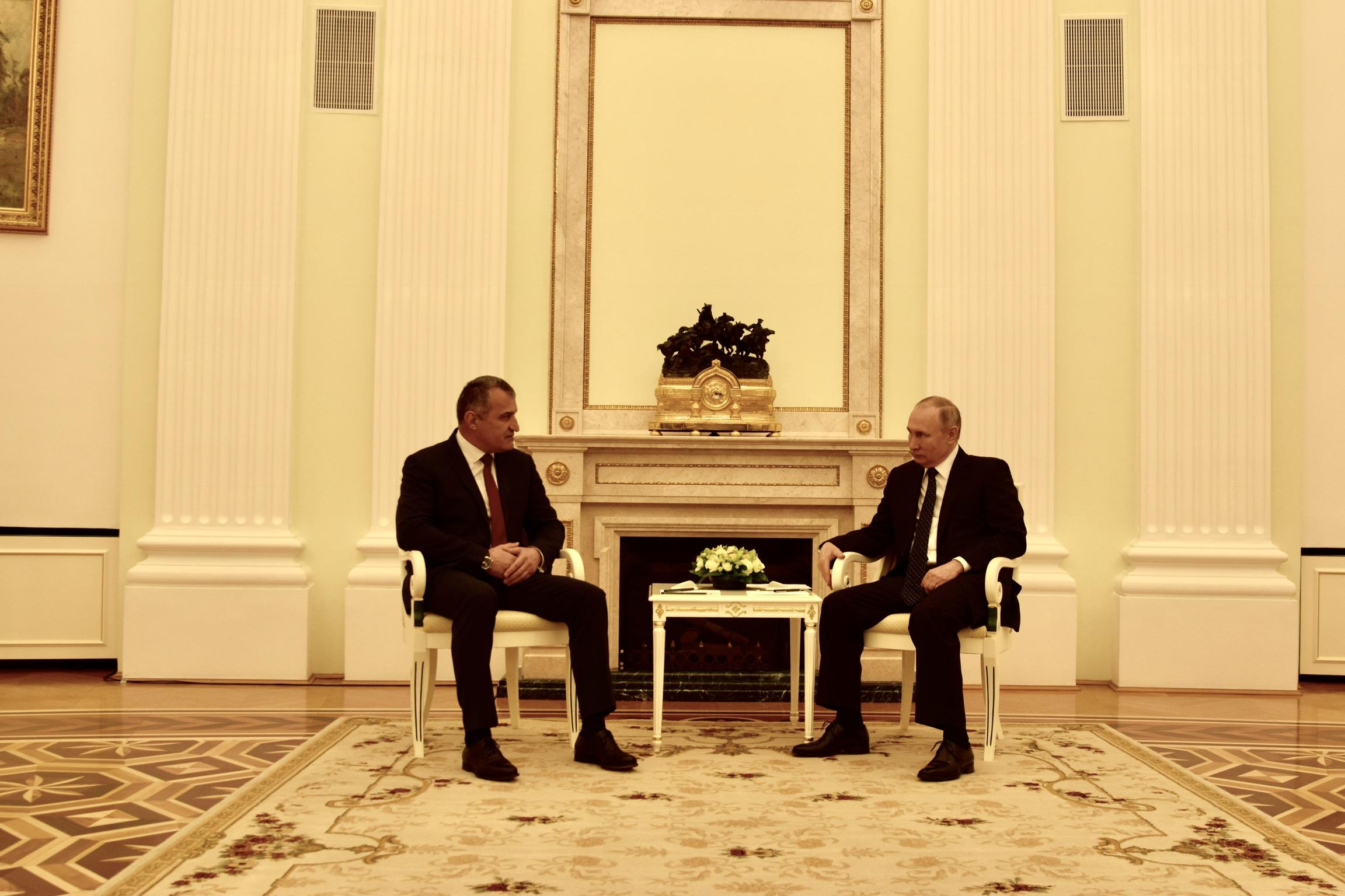 Состоялась встреча Анатолия Бибилова и Владимира Путина